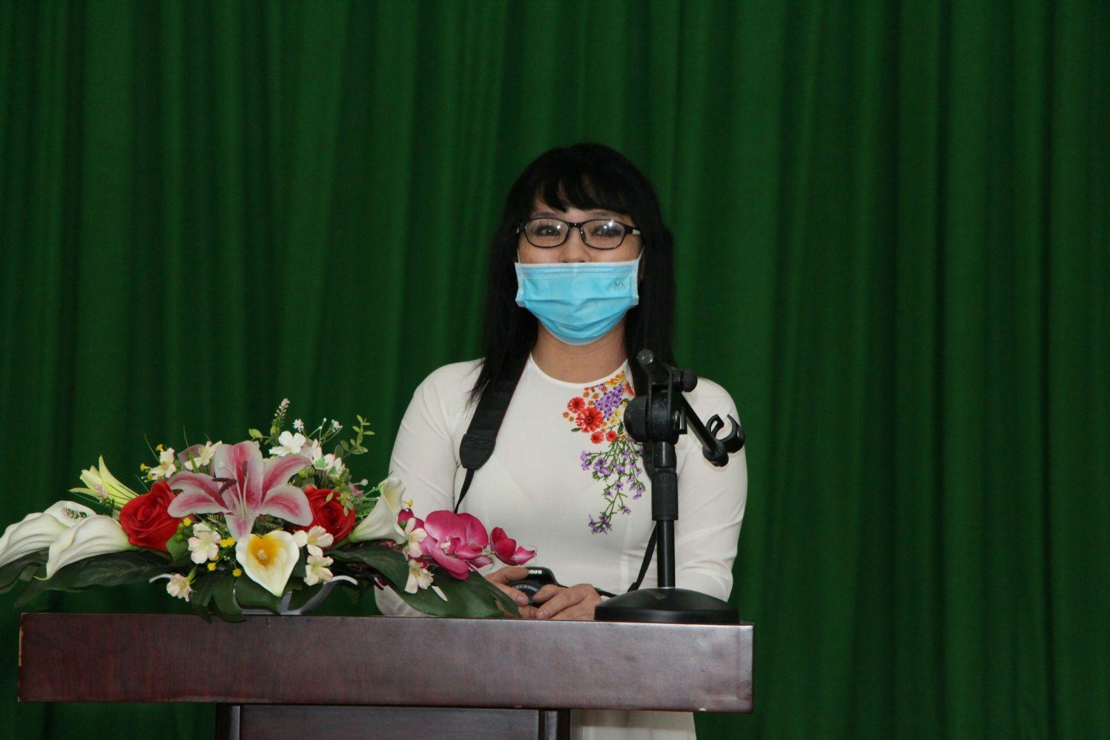 https://ngoisaokinhdoanh.vn/uploads/images/ban%202.jpg
